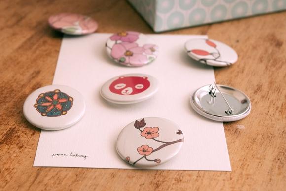 Création de badge illustré par Emma Lidbury